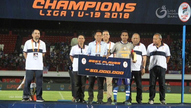 Pemain Persib Bandung U-19 M. Syafril Lestaluhu yang meraih penghargaan Best Player Liga 1 U-19 2018. Copyright: © liga-indonesia.id