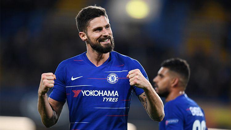 Selebrasi Olivier Giroud usai mencetak gol di laga Chelsea vs PAOK dalam penyisihan Grup L Liga Europa 2018/19. Copyright: © Getty Images