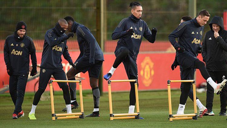 Hanya main imbang di Liga Europa, Manchester United diprotes para penggemarnya di media sosial. Copyright: © Getty Images