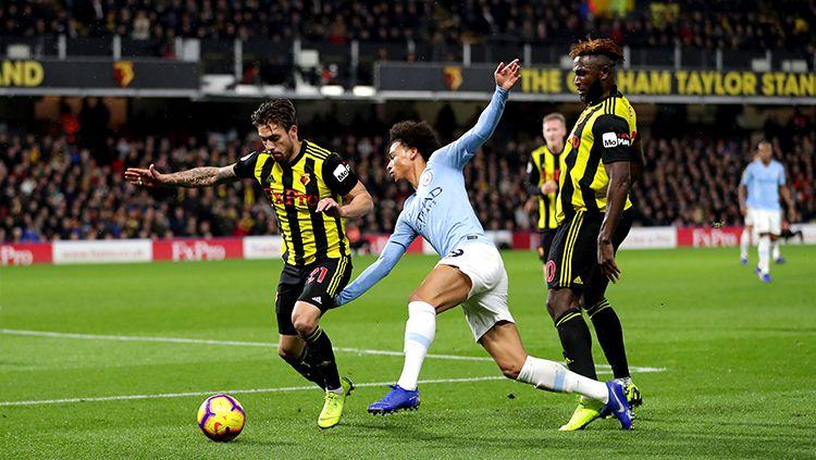 Leroy Sane (tengah), yang kini membela klub Liga Inggris, Manchester City, kabarnya jadi incaran tiga klub papan atas Eropa. Copyright: © Getty Images