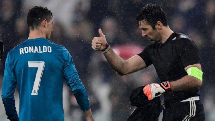 Gianluigi Buffon terbukti nistakan Tuhan di laga Serie A Liga Italia kemenangan Juventus atas Parma. Copyright: © Marca