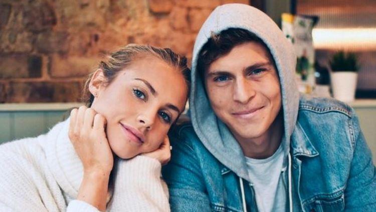 Victor Lindelof bersama sang istri, Maja Nilsson. Copyright: © Instagram @majanilssonlindelof
