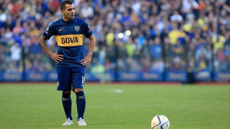 Carlos Tevez kini bermain untuk Boca Juniors Copyright: © Youtube/JustKickItTV