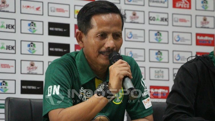 Djajang Nurdjaman, pelatih Persebaya Surabaya. Copyright: © Fitra Herdian Ariestianto/INDOSPORT
