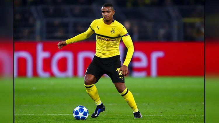 Manuel Akanji, bintang muda Borussia Dortmund. Copyright: © INDOSPORT
