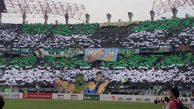 Koreo Suporter Persebaya Bonek 423 Surabaya Copyright Fitra Herdian Indosport