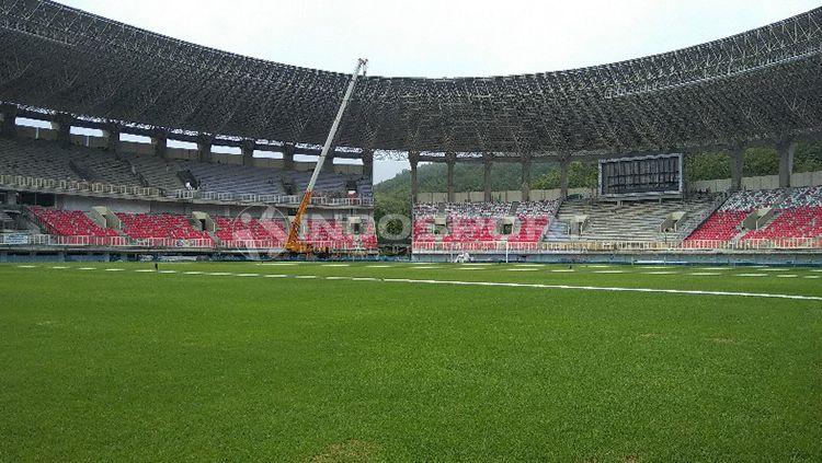 Kondisi terkini dari Stadion Papua Bangkit yang tengah dibangun. Copyright: © Sudjarwo/INDOSPORT