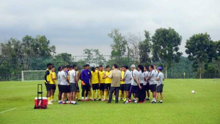 Skuat Timnas Malaysia sedang menjalani latihan jelang hadapi Vietnam di Final Piala AFF 2018, Copyright: © Bong da