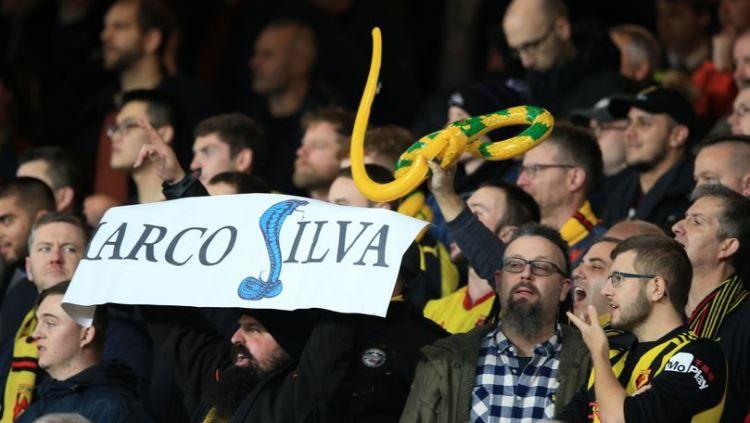 Barisan sakit hati suporter Watford terhadap Marco Silva di Goodison Park, Senin (11/12/18). Copyright: © Liverpool Echo
