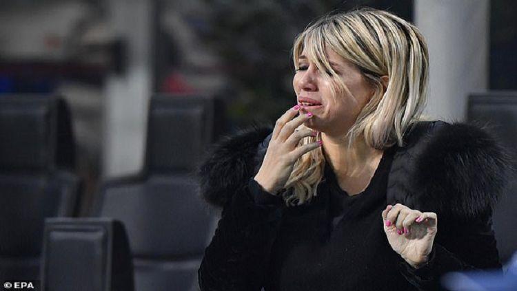 Istri sekaligus agen dari Mauro Icardi, Wanda Nara, mengatakan bahwa kehidupannya jadi berantakan setelah sang suami meninggalkan Inter Milan untuk gabung PSG. Copyright: © EPA