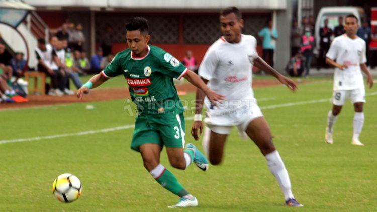 Dua kebahagiaan Kapten PSS Sleman, Muhammad Bagus Nirwanto juga dikaruniai seorang putra di pengujung tahun 2018. Copyright: © Ronald Seger/Indosport.com