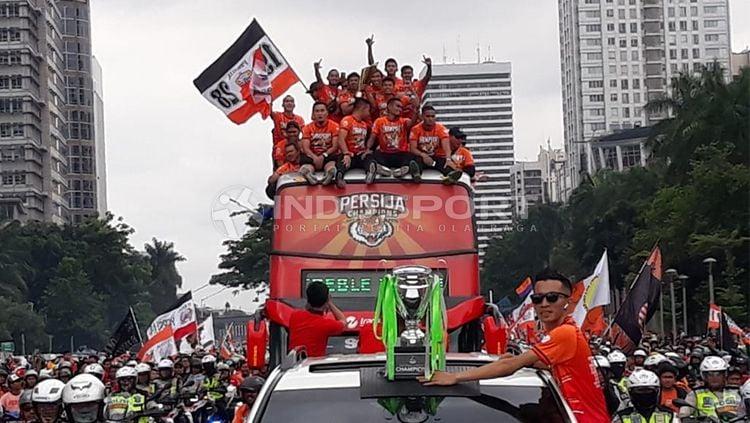 Bus Konvoi Persija Menuju Balai Kota Jakarta Copyright: © Indosport/ herry Ibrahim