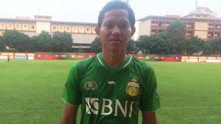 Adam Alis saat berseragam Bhayangkara FC Copyright: © Tribunnews.com