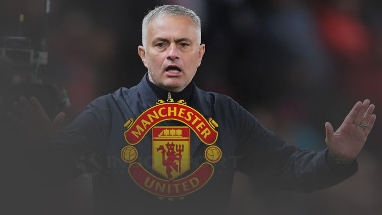 Jose Mourinho merasa pencapaiannya di Manchester United tidak dihargai. Copyright: © INDOSPORT
