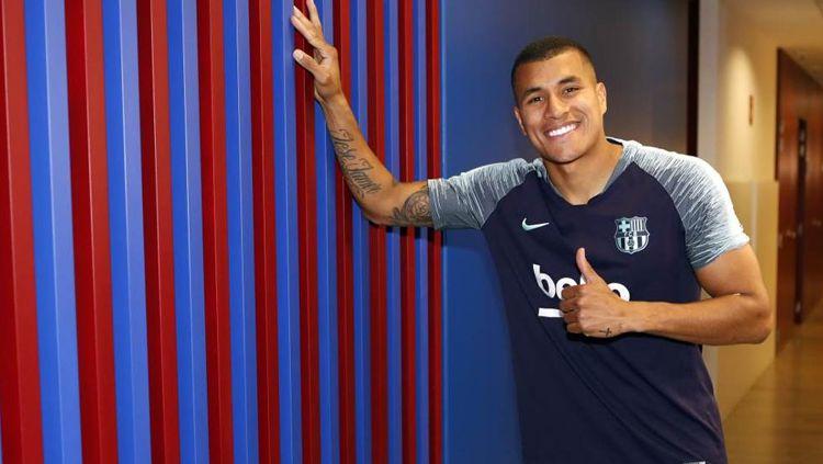 Jeisson Murillo resmi menjadi pemain baru Barcelona. Copyright: © fcbarcelona.com