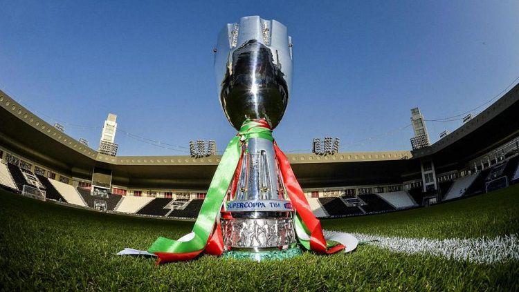 Trofi Piala Super Italia Copyright: © Sportku