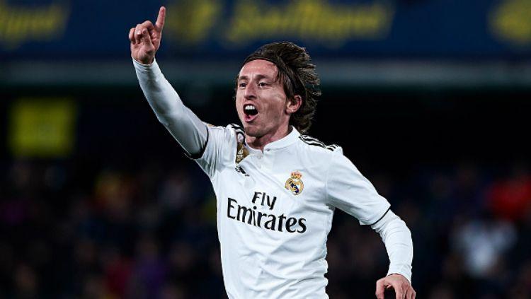 Nama Luka Modric masih terus dikaitkan dengan sepak bola Italia, terutama duo raksasa Inter Milan dan AC Milan. Copyright: © Getty Images