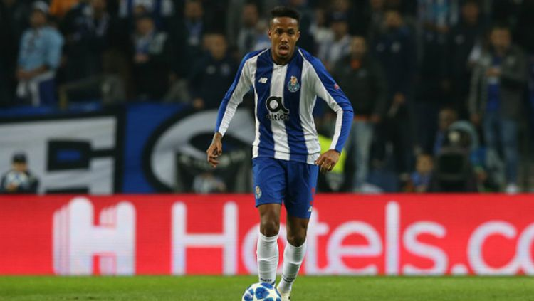 Eder Militao, bek tengah milik FC Porto. Copyright: © Getty Images