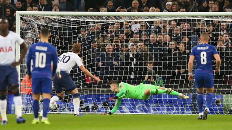 Harry Kane berhasil cetak gol lewat titik putih Copyright: © Getty Images