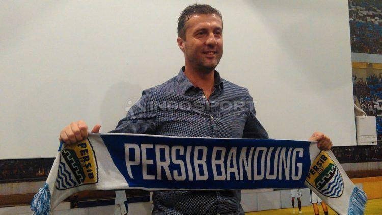 Pelatih Persib Bandung, Miljan Radovic. Copyright: © Arif Rahman/Indosport.com