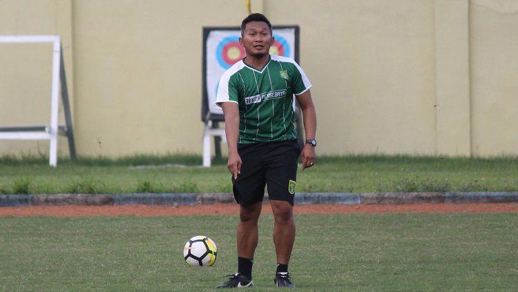 Usai ditunjuk untuk menungkangi Timnas Putri Indonesia, Rudy Eka pun langsung bergerak cepat dengan mempersiapkan kerangka tim. Copyright: © Fitra Herdian/INDOSPORT