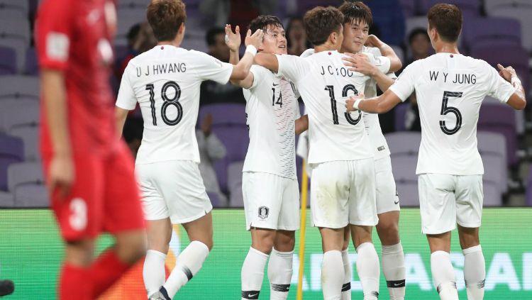 Pemain Korea Selatan Merayakan Golnya di Piala Asia 2019 Copyright: © Twitter