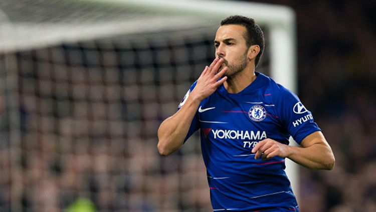 Pedro Saat Membela Chelsea Copyright: © Getty Images