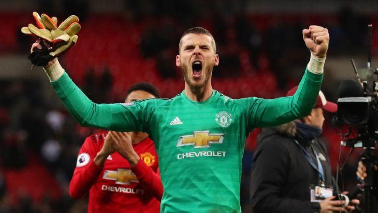 Kiper Manchester United, David de Gea usai kemenangan melawan Tottenham Hotspur, Senin (14/01/19) Copyright: © Twitter / Manchester United