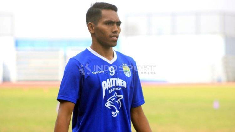 Indosport - Pemain Persib, Frets Butuan, memilih tetap tinggal di Persib.