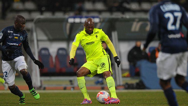 Christian Bekamenga saat bermain di Ligue 2 Prancis Copyright: © INDOSPORT