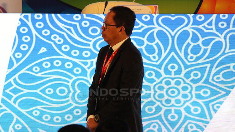 Joko Driyono ketika dipanggil Edy Rahmayadi saat kongres tahunan PSSI di Hotel Sofitel Beach Resort, Nusa Dua, Bali. Minggu (20/1/19). Copyright: © Fitra Herdian/Indosport