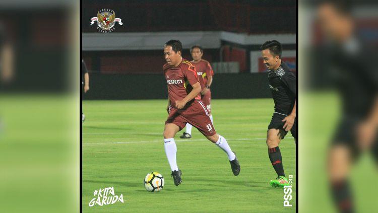 PSSI menggelar bermain sepak bola bersama Asprov dan perwakilan klub Liga 1 hingga Liga 3 di penghujung rangkaian acara Kongres PSSI 2019 di Bali. Copyright: © Twitter/@PSSI