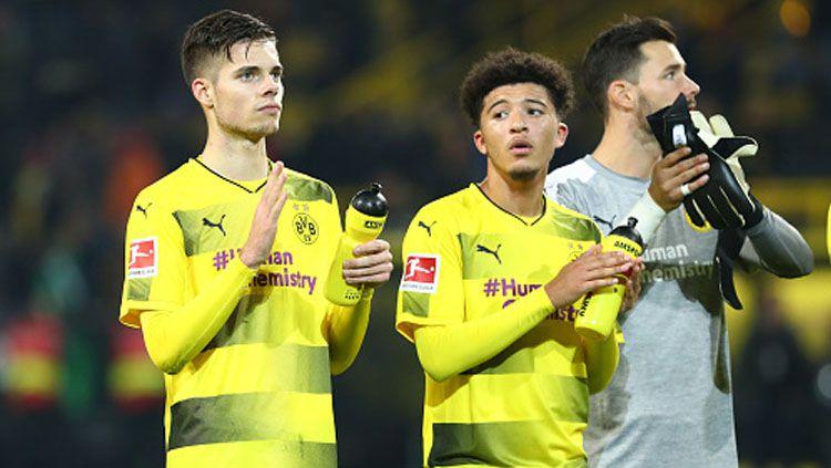 Julian Weigl (kiri) dan Jadon Sancho, 2 pemain bintang muda Borussia Dortmud. Copyright: © INDOSPORT