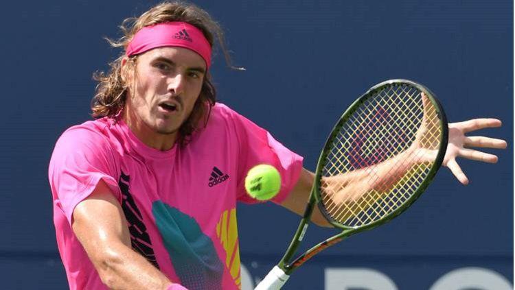 Selain bermain tenis, Stefanos Tsitsipas juga seorang Youtuber aktif. Copyright: © USA Today