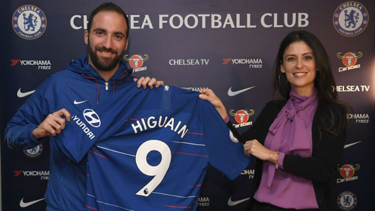 Gonzalo Higuain resmi ke Chelsea. Copyright: © Getty Images
