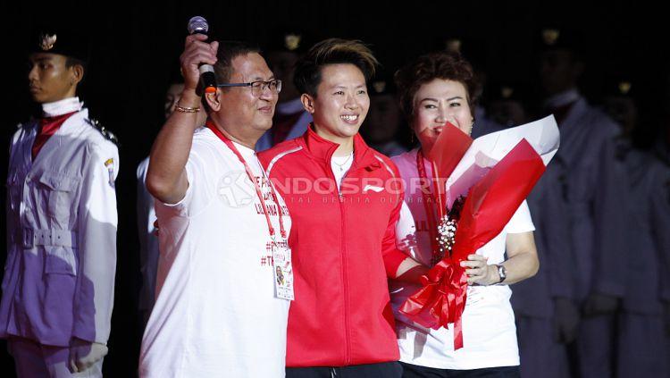 Kedua orang tua Butet juga turut hadir dalam acara farewell ini. Copyright: © INDOSPORT/Herry Ibrahim