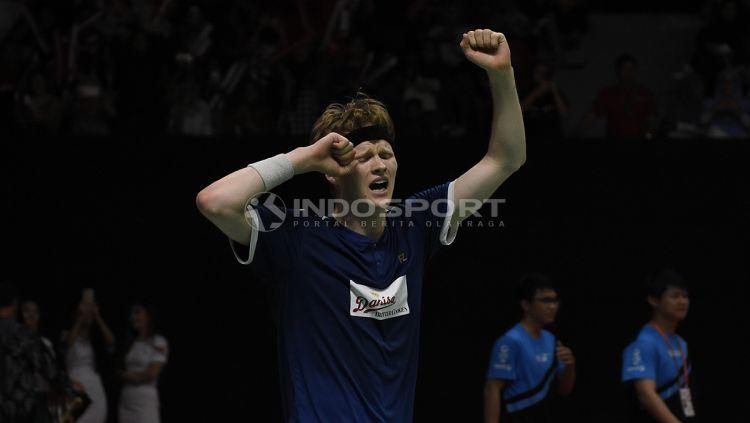 Pebulutangkis tunggal putra Denmark, Anders Antonsen sukses menciptakan sejarah di ranking dunia BWF. Copyright: © Herry Ibrahim/Indosport.com