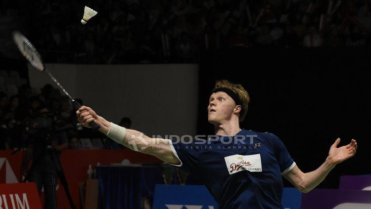 Pebulutangkis Denmark, Anders Antonsen. Copyright: © Herry Ibrahim/Indosport.com