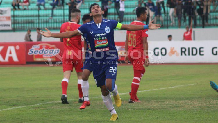 Hari Nur Yulianto, pemain PSIS Semarang. Copyright: © Ronald Seger Prabowo/INDOSPORT