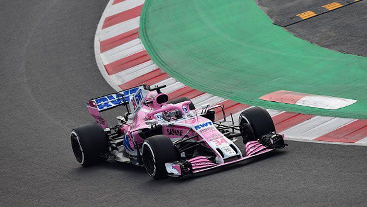 Nikita Mazepin, pembalap Formula 2 asal Rusia saat berada di lintasan balap. Copyright: © INDOSPORT