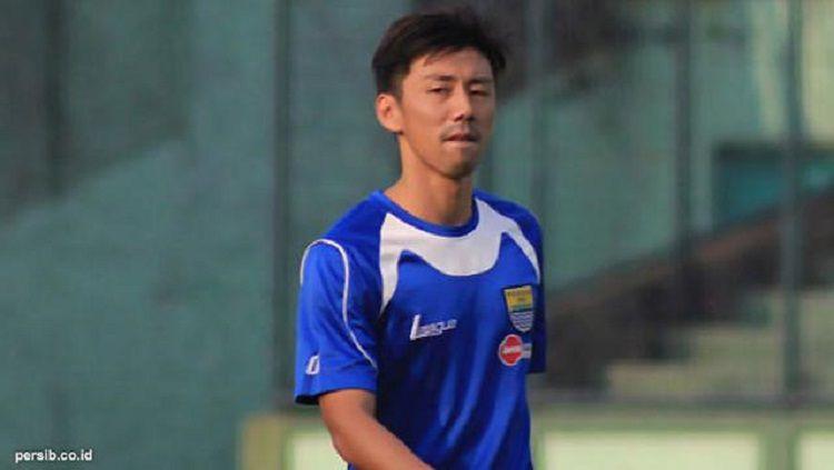 Kenji Adachihara saat berseragam Persib Bandung beberapa tahun lalu. Copyright: © Persib.co.id