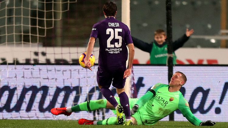 Klub besar Serie A, AC Milan, memiliki peluang mendapatkan kontrak bintang Fiorentina, Federico Chiesa dengan bantuan klausul Ante Rebic. Copyright: © Getty Images