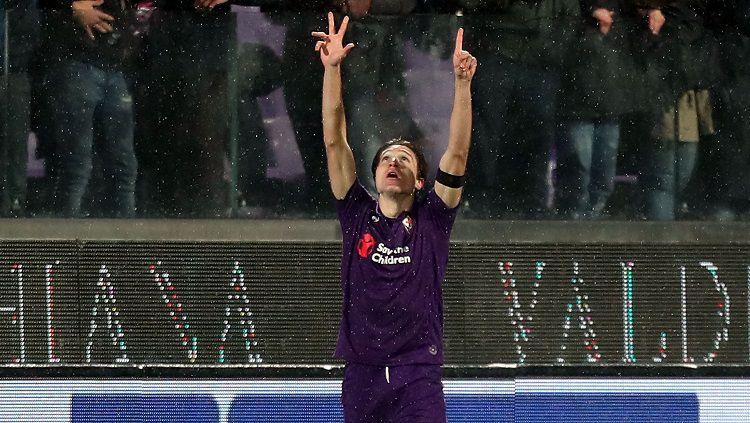 AC Milan menawarkan 3 pemain termasuk Rafael Leao demi mendapatkan 2 mantan anak asuh Stefano Pioli di Fiorentina, yakni Nikola Milenkovic dan Federico Chiesa. Copyright: © Getty Images