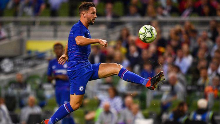 Chelsea melakukan pergerakan pertama di bursa transfer ini dengan mendepak pemain mereka yang terabaikan musim ini, Danny Drinkwater, ke klub Turki, Kasimpasa. Copyright: © Getty Images