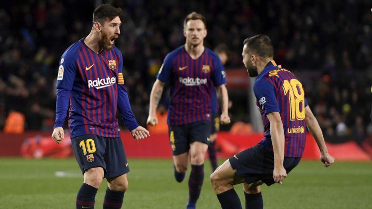 Lionel Messi selebrasi bersama pemain Barcelona Copyright  © Getty Images 434a26adbe