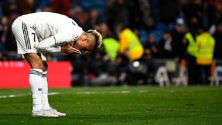 Mariano Diaz terlihat tidak bergabung dengan rekan-rekannya di Real Madrid dalam sesi latihan menjelang laga melawan Real Valladolid Copyright: © Twitter @OptaJose