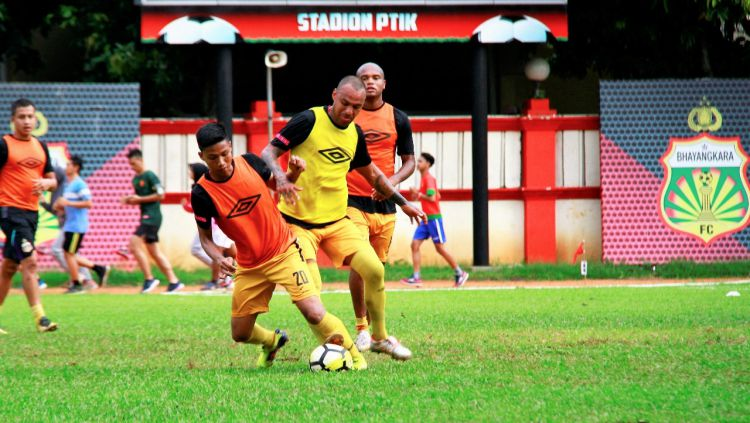 Pemain Bhayangkara FC saat latihan. Copyright: © Media Bhayangkara FC