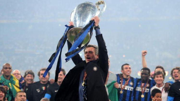 Lebih senang karena punya banyak prestasi di Inter Milan, Jose Mourinho menyesal pindah ke Real Madrid. Copyright: © GettyImages