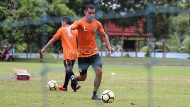 PSS Sleman kedatangan pemain asing Mido Saad dalam sesi latihan Copyright: © Ronald Seger Prabowo/INDOSPORT