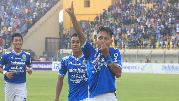 Pemain muda Persib, Beckham Putra Nugraha merayakan golnya ke gawang Persiwa. Copyright: © Arif Rahman/INDOSPORT